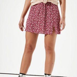 AE High-Waisted Slit Mini Skirt